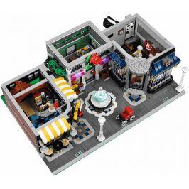 LEGO Creator Expert 10255 Shromáždění na náměstí - rozbaleno