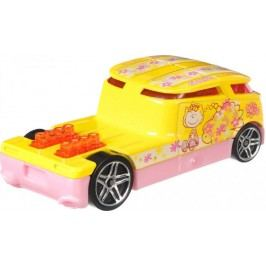 Hot Wheels Tématické auto Peanuts Quombee
