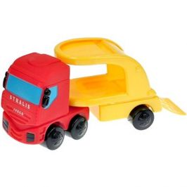 Tahač IVECO s červeným autem