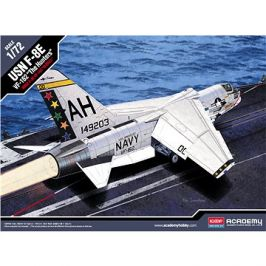 Model Kit letadlo 12521 - USN F-8E VF-162